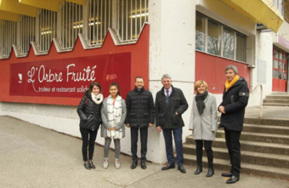Les Sénateurs Michel Savin et Bruno Retailleau, en visite surprise à l'Arbre Fruité